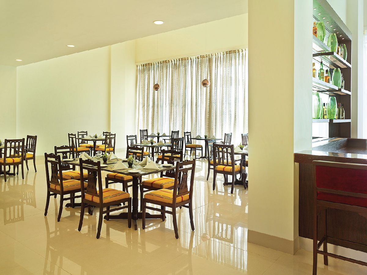 Multi Cuisine Restaurant at The Gateway Hotel Balaghat Road Gondia - 4x3