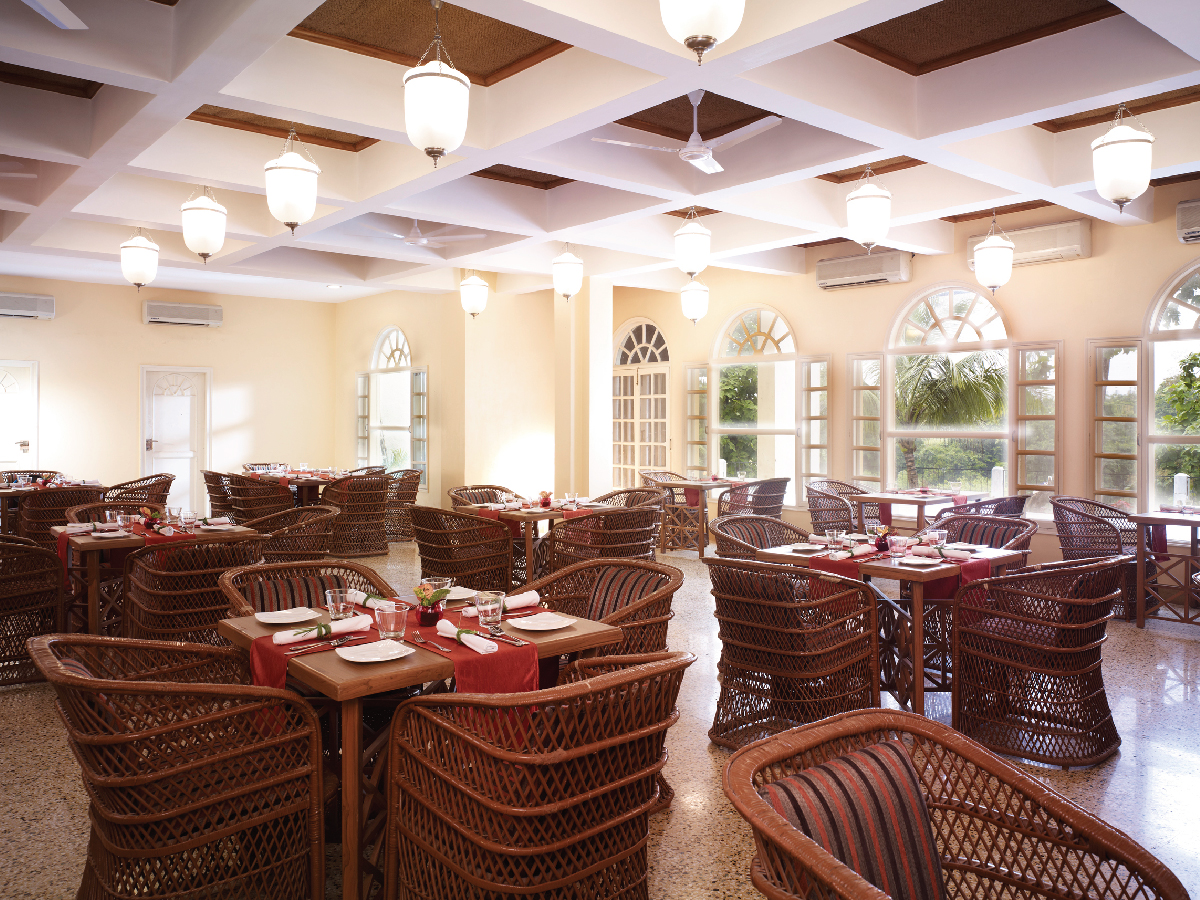 GAD - Restaurant at The Gateway Hotel Gir Forest-4x3