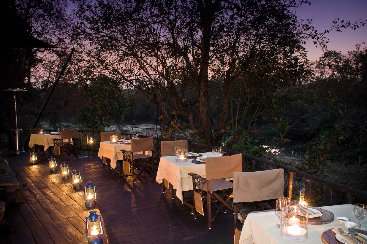 Dining Experience at Banjaar Tola