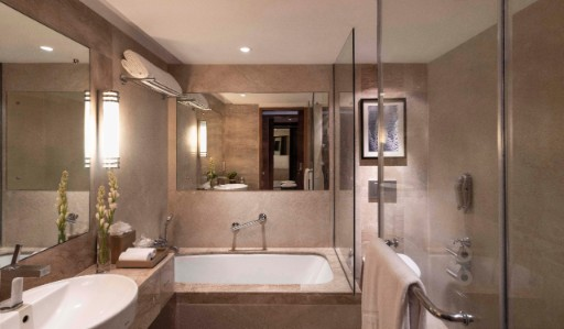 Junior Suite Luxury Bathroom at Taj Coromandel, Chennai