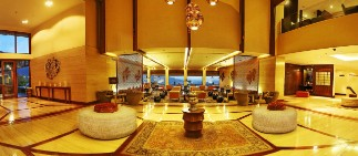 Luxury Lobby of 5 star Hotel in Srinagar - Vivanta Dal View, Srinagar