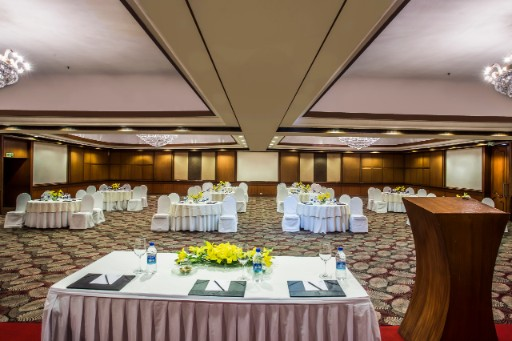 Kohinoor Banquet Hall at Taj Deccan-3x2